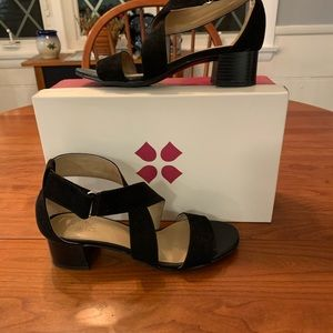 Naturalizer Black strappy sandals size 7